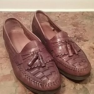 73a1e791b Earth Shoe men s another10 leather loafer tassels